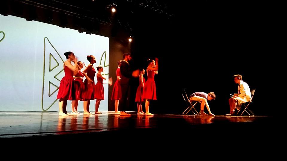 L Insalata Sotto Il Cuscino.L Insalata Sotto Il Cuscino La Danza Racconta 7 Storie Di Ragazzi