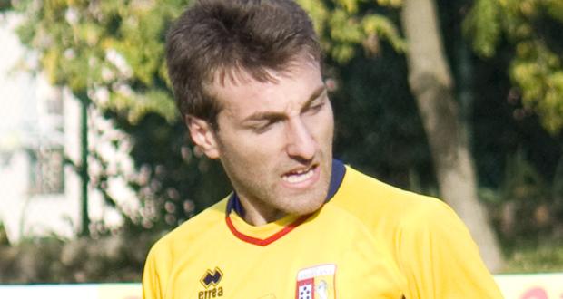 Malore durante una partita, muore un calciatore nel Perugino